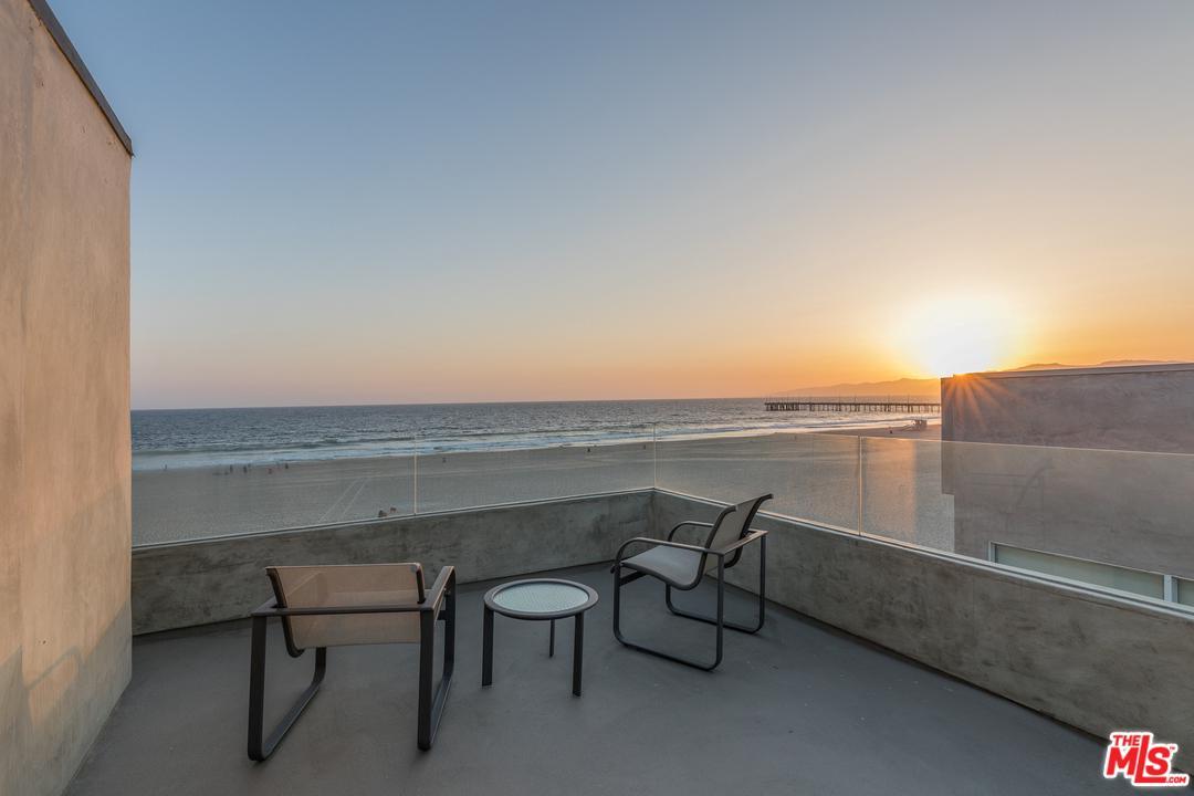 3717 OCEAN FRONT, Marina Del Rey, CA 90292