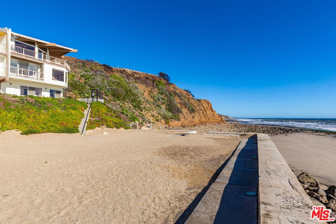 11952 BEACH CLUB, Malibu, CA 90265