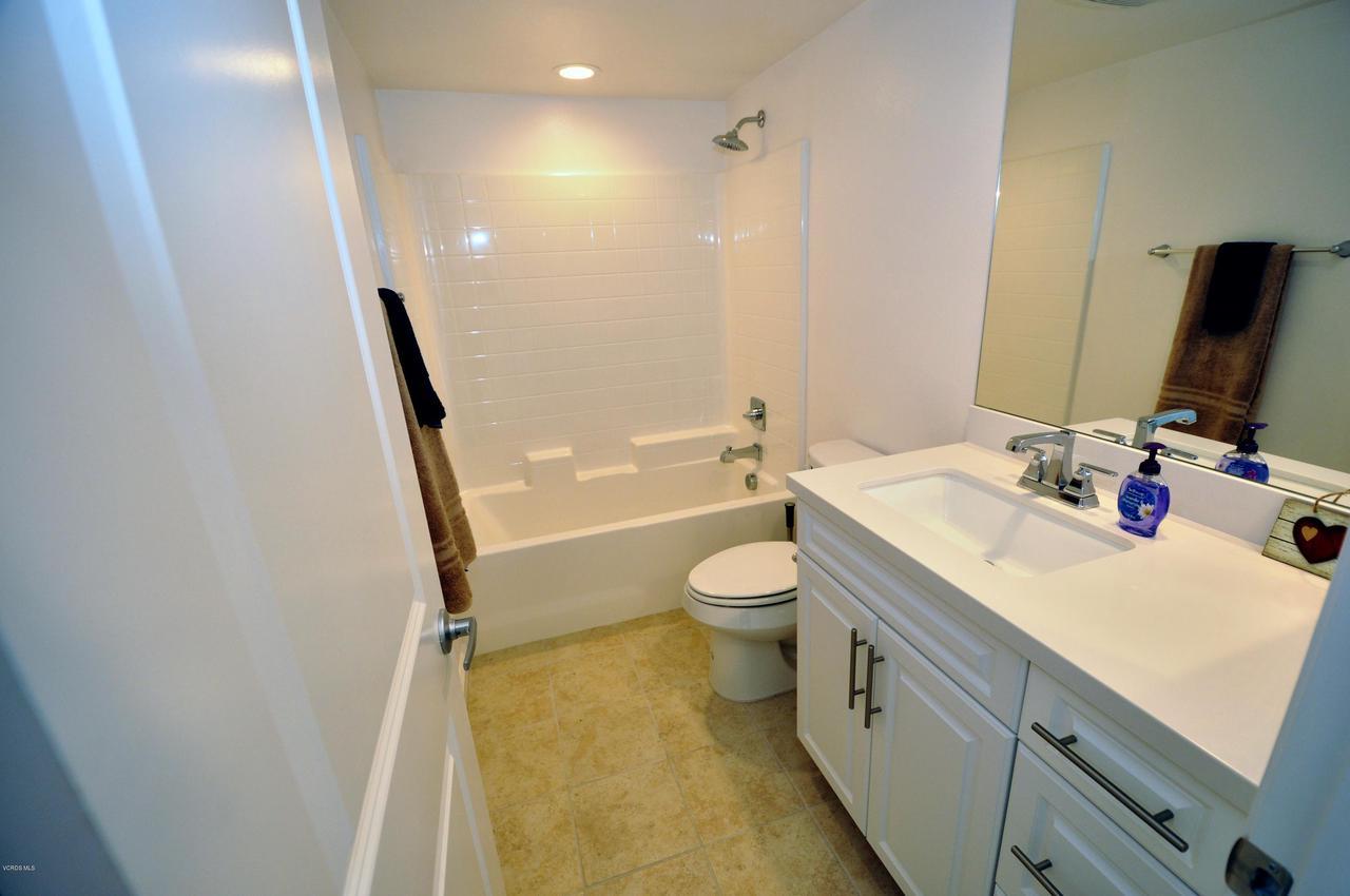 3717 ISLANDER WALK, Oxnard, CA 93035 - Ground Level Bath1