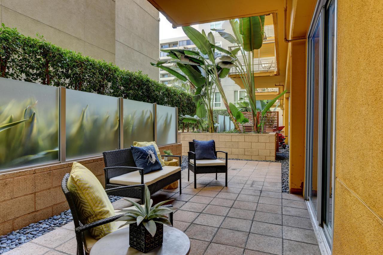 645 9TH, Los Angeles (City), CA 90015 - patio_1