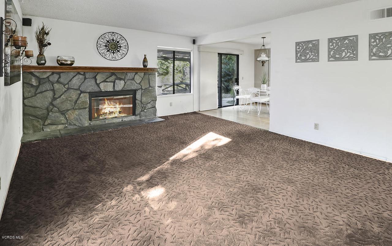2067 STILMAN, Simi Valley, CA 93063 - eFamily Room2