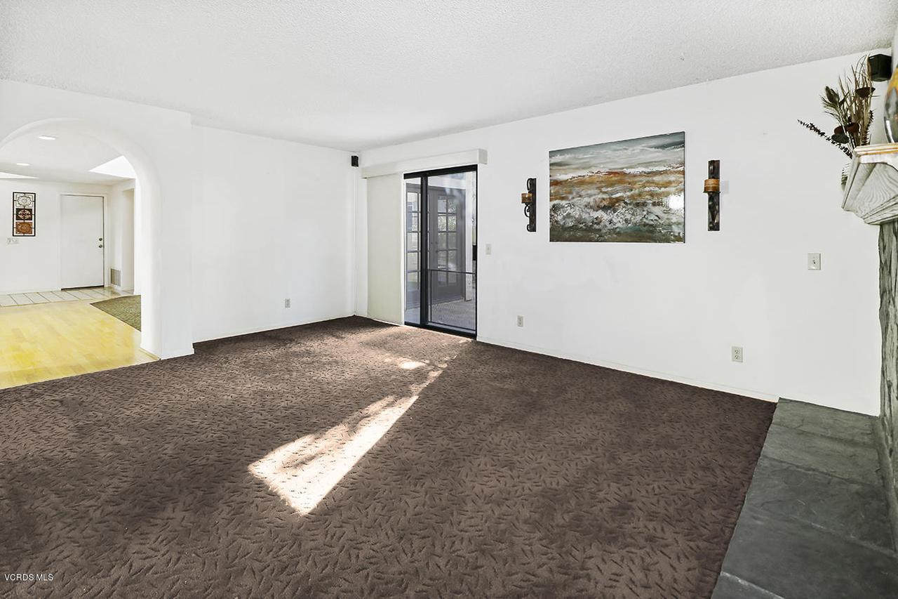 2067 STILMAN, Simi Valley, CA 93063 - eFamily Room1