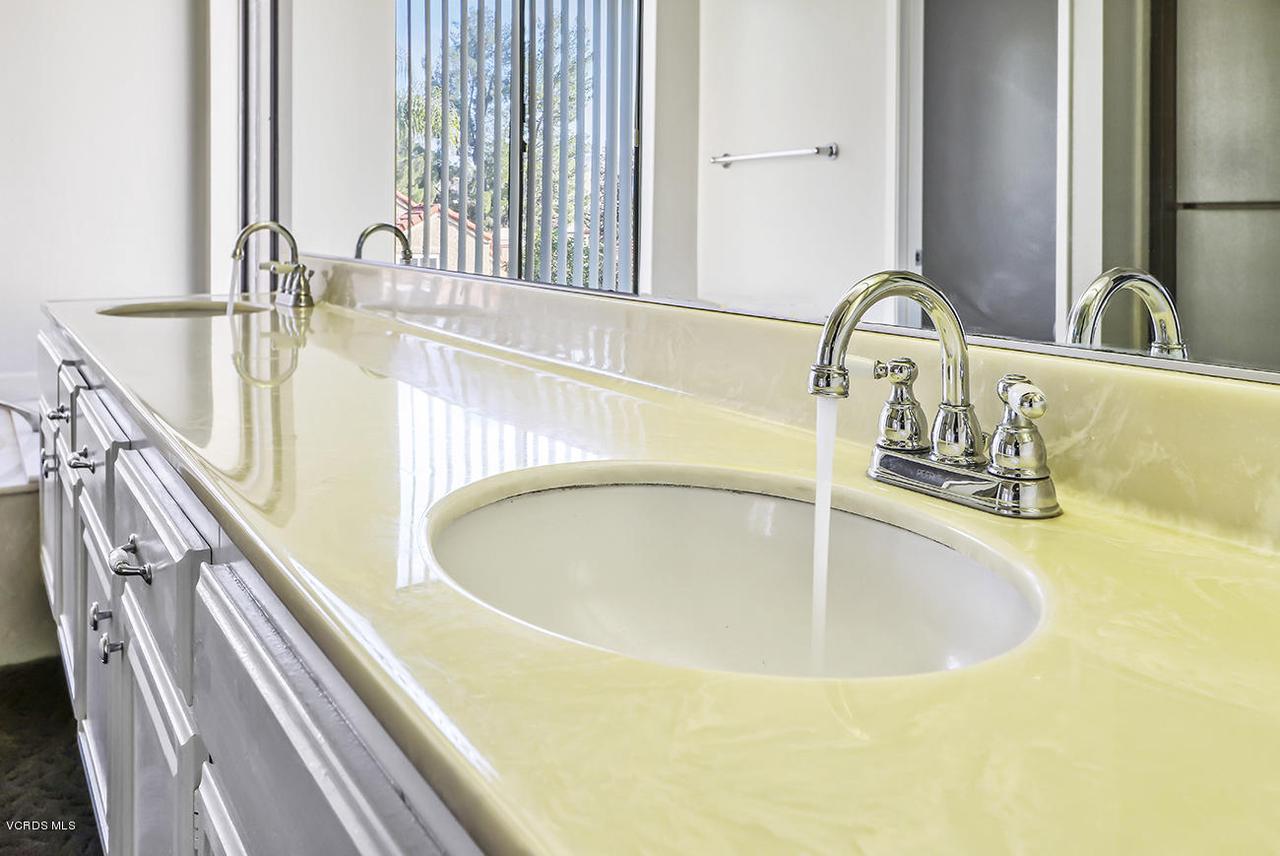 2067 STILMAN, Simi Valley, CA 93063 - lMaster Suite6