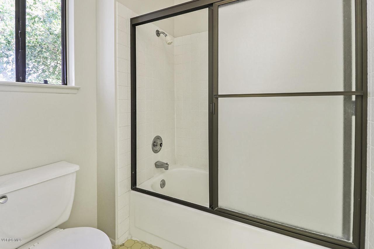 2067 STILMAN, Simi Valley, CA 93063 - iHall Bath2_1
