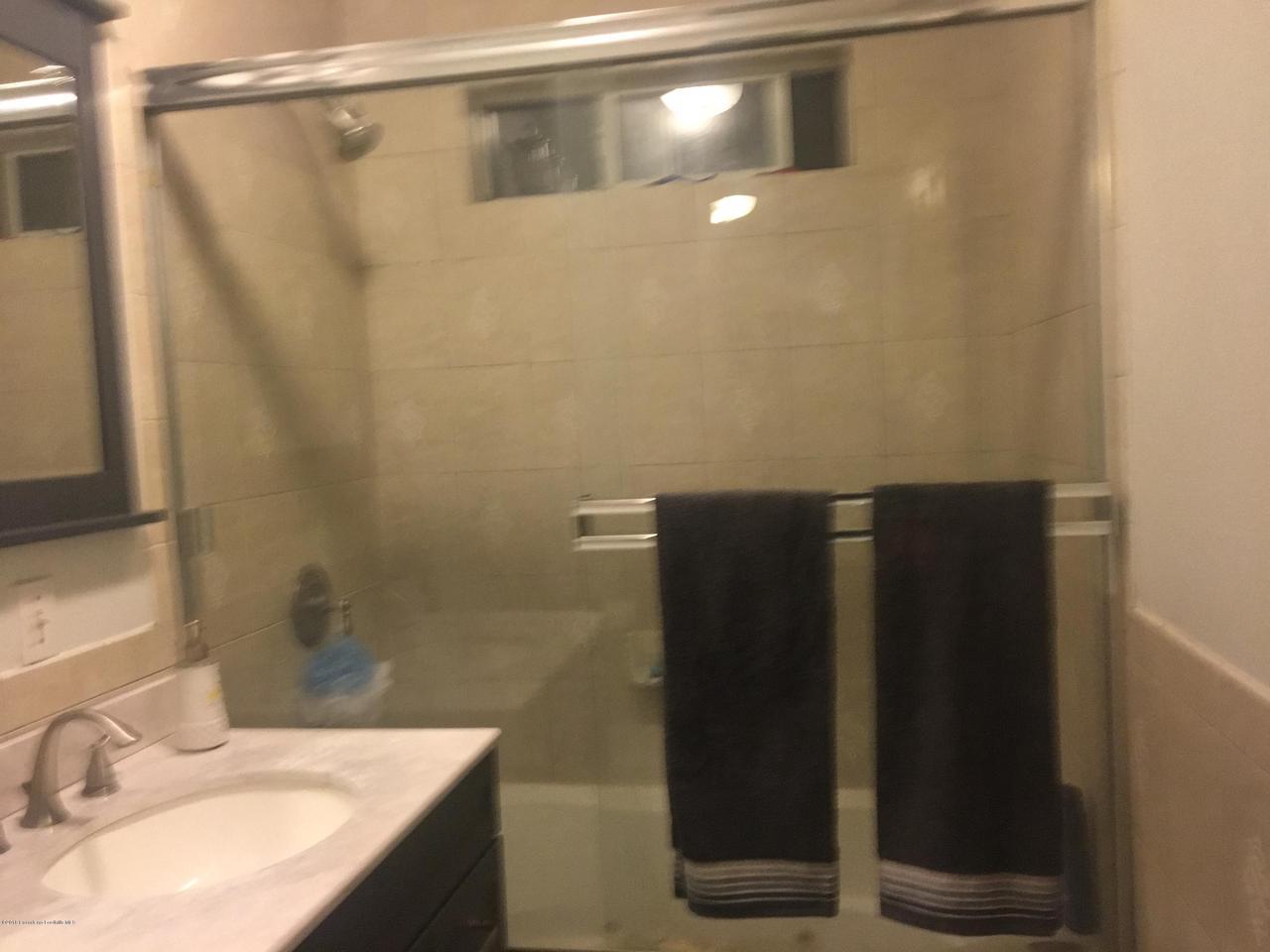 1724 NEWPORT, Pasadena, CA 91103 - C & A MASTER BATHROOM 2
