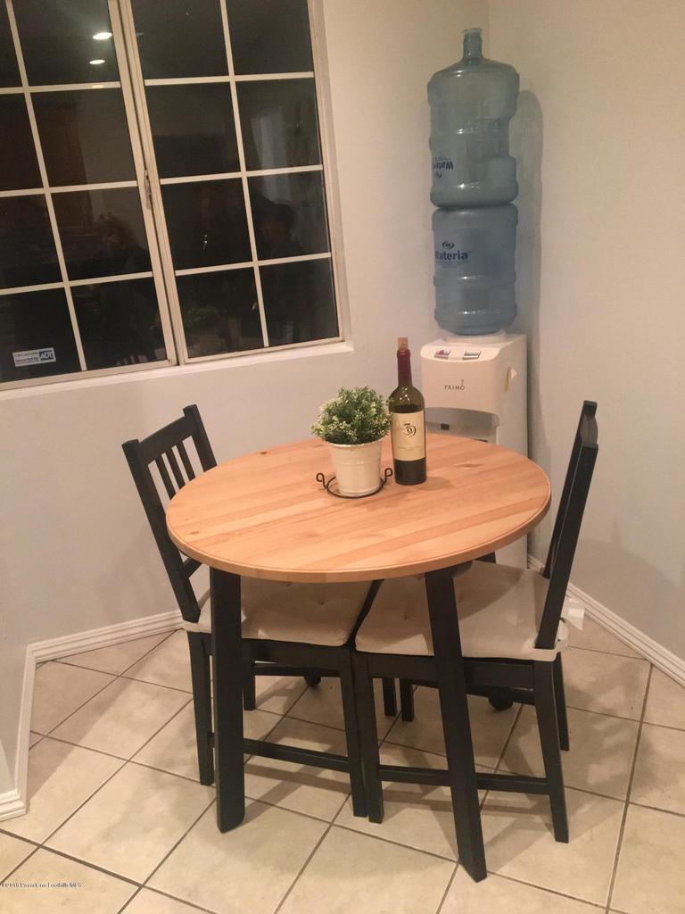 1724 NEWPORT, Pasadena, CA 91103 - C & a KITCHEN SITTING AREA