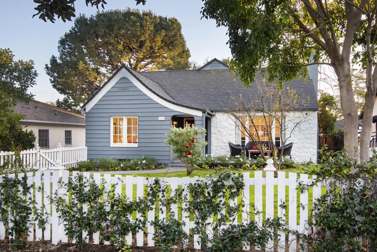 2080 QUEENSBERRY, Pasadena, CA 91104 - CJC_8248C