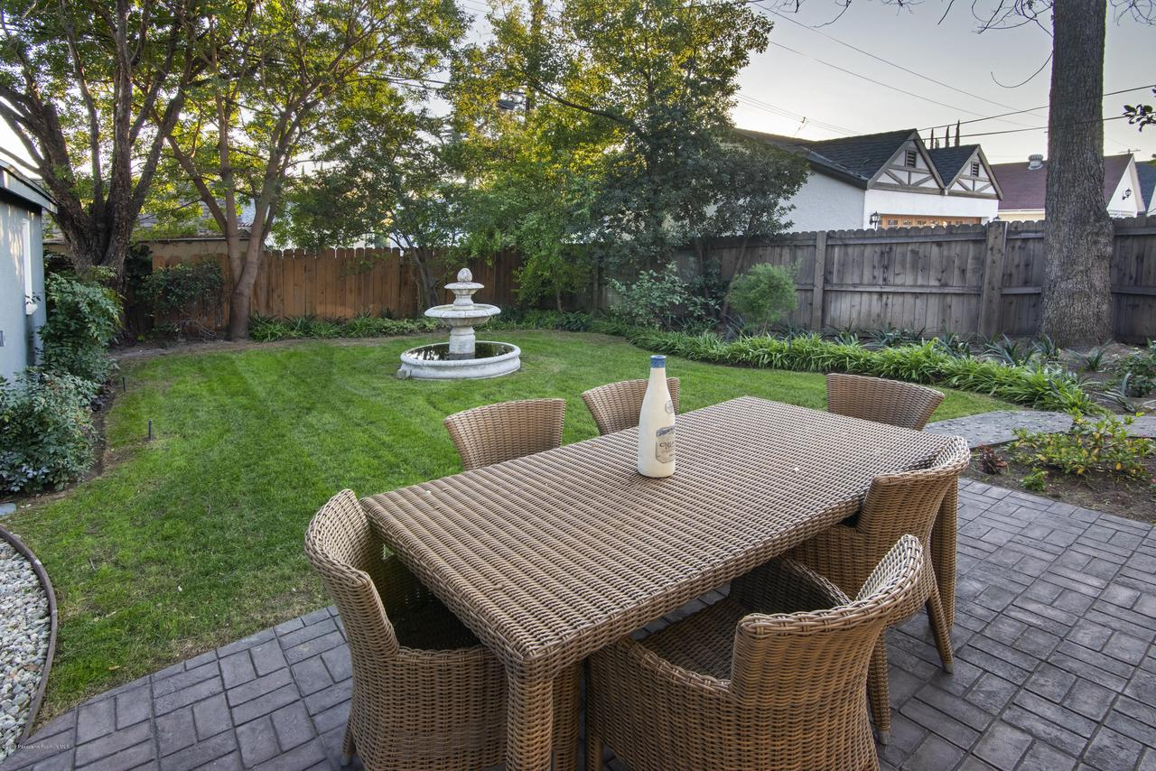 2080 QUEENSBERRY, Pasadena, CA 91104 - CJC_8206C