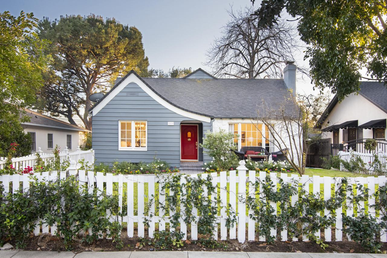 2080 QUEENSBERRY, Pasadena, CA 91104 - CJC_8244C
