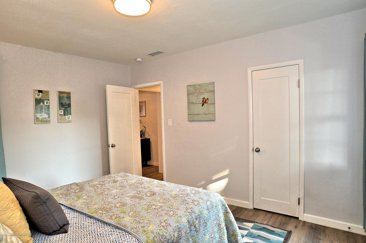 878 MORADA, Altadena, CA 91001 - 878 bedroom 2a