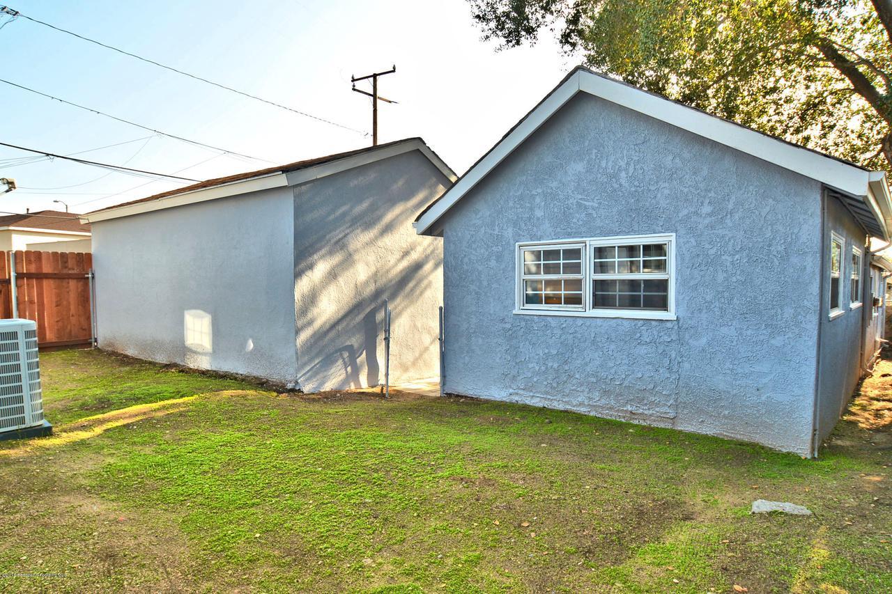 878 MORADA, Altadena, CA 91001 - yard between homes