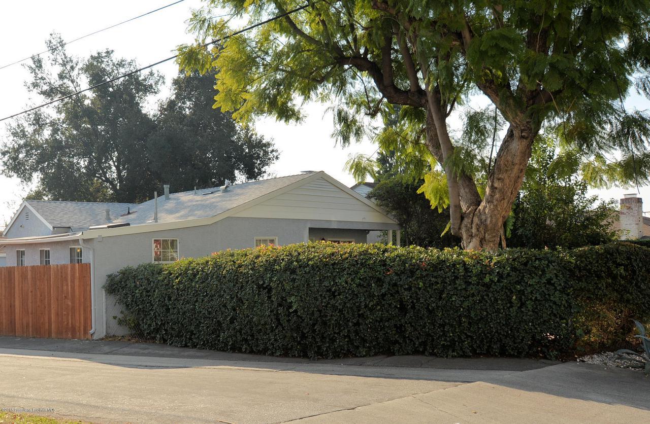 878 MORADA, Altadena, CA 91001 - 878 front the street