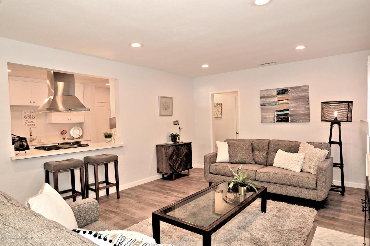 878 MORADA, Altadena, CA 91001 - 878 Living room to kitchen