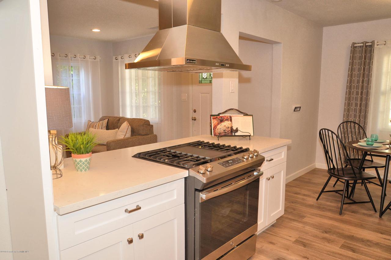 878 MORADA, Altadena, CA 91001 - 878 morada kitchen to front door