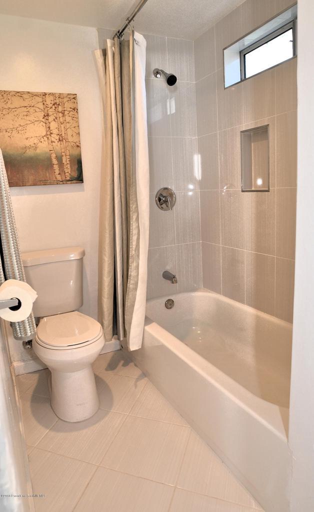878 MORADA, Altadena, CA 91001 - 888 full bath 2