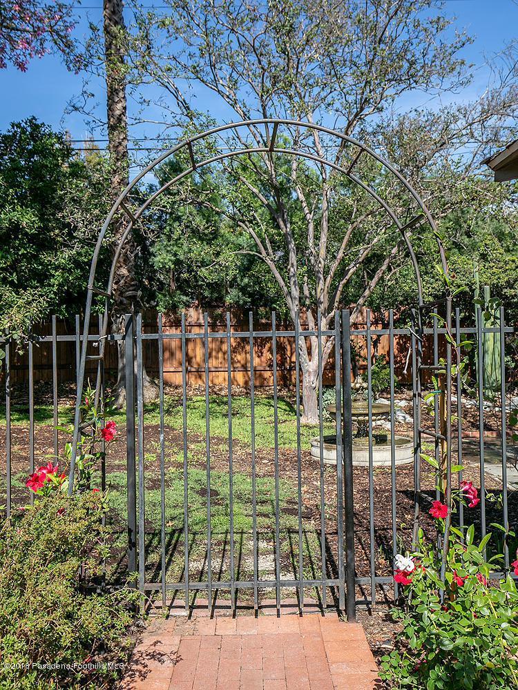 2241 BRIGDEN, Pasadena, CA 91104 - 2241 Brigden Rd 033-mls