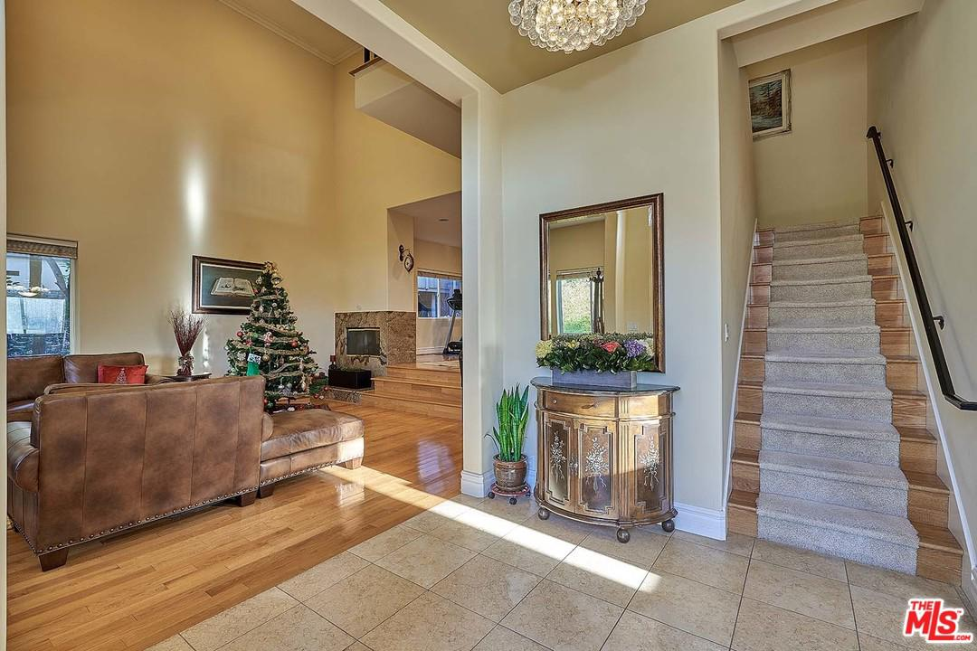 1848 KINNELOA CANYON, Pasadena, CA 91107