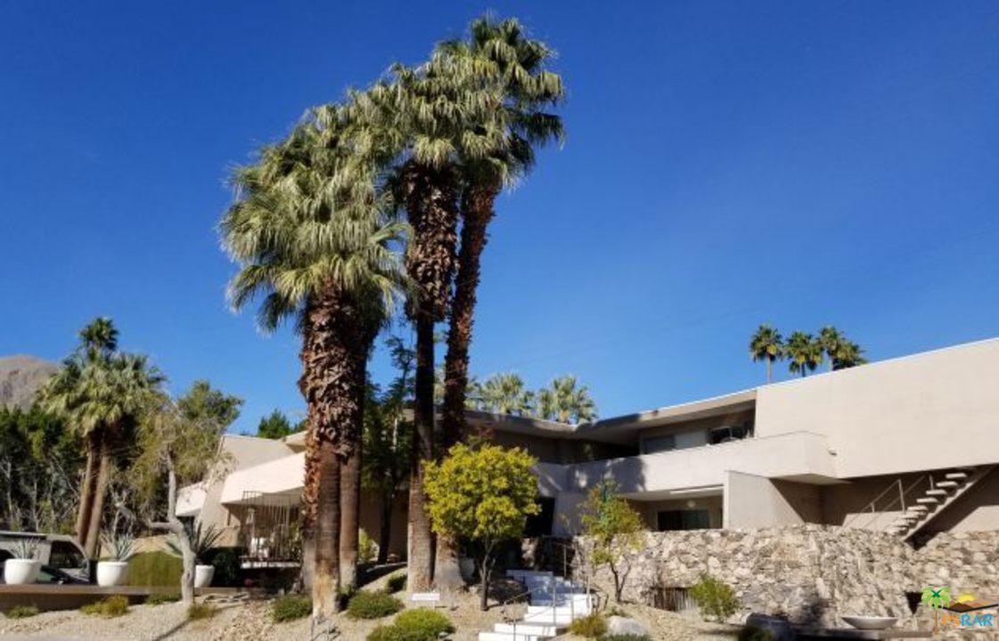Photo of 197 W VIA LOLA, Palm Springs, CA 92262