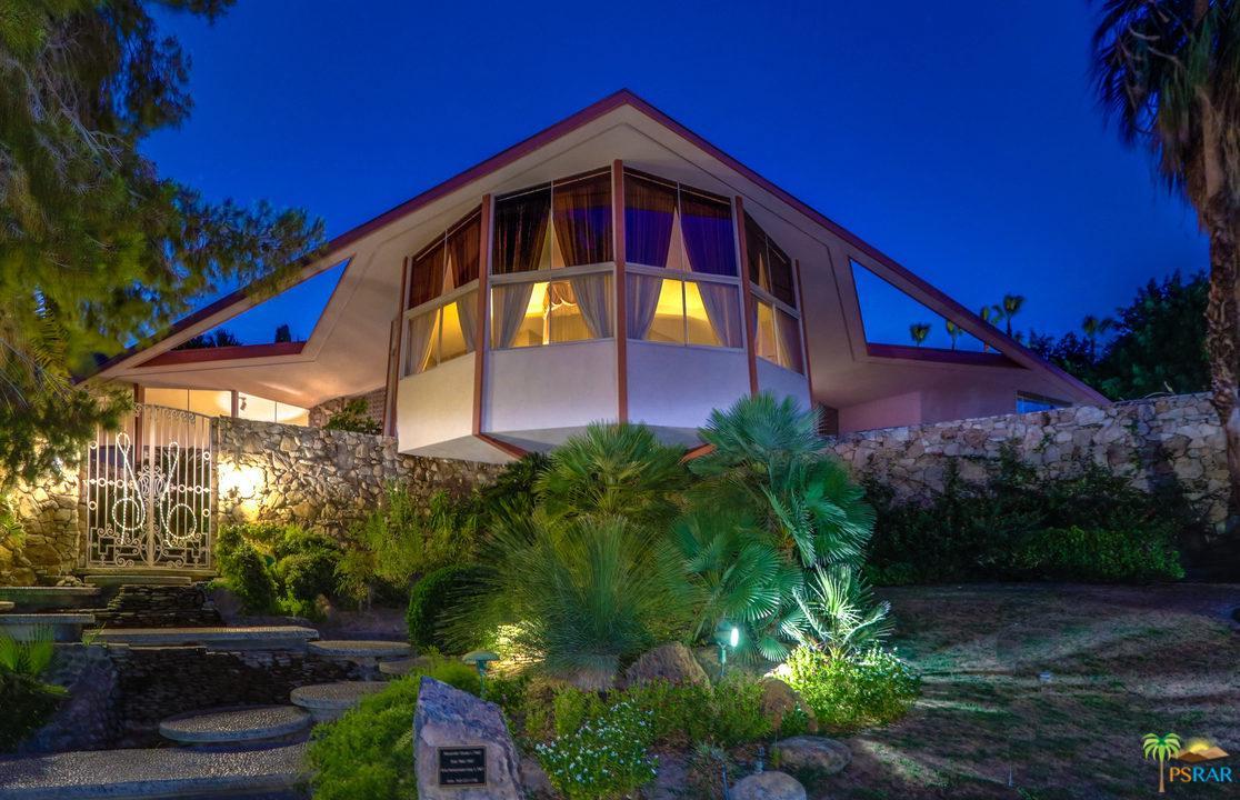 Photo of 1350 LADERA CIR, Palm Springs, CA 92262
