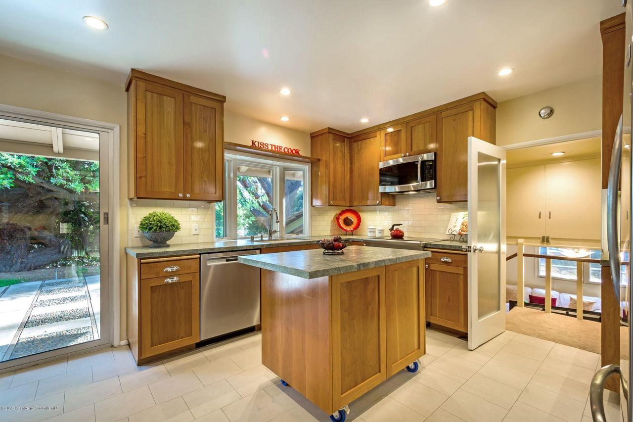 1976 LOMA ALTA, Altadena, CA 91001 - 1976 kitchen island