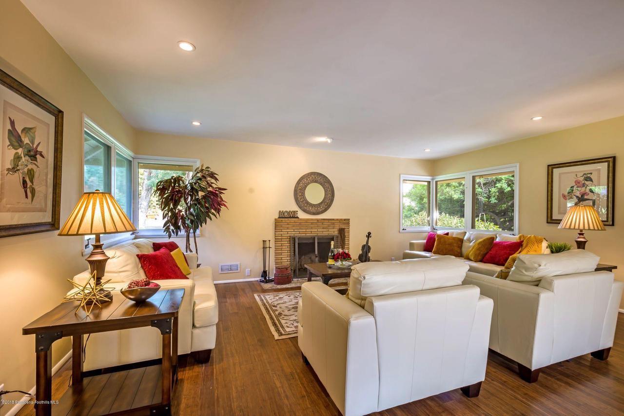 1976 LOMA ALTA, Altadena, CA 91001 - 1976 living room to fireplace