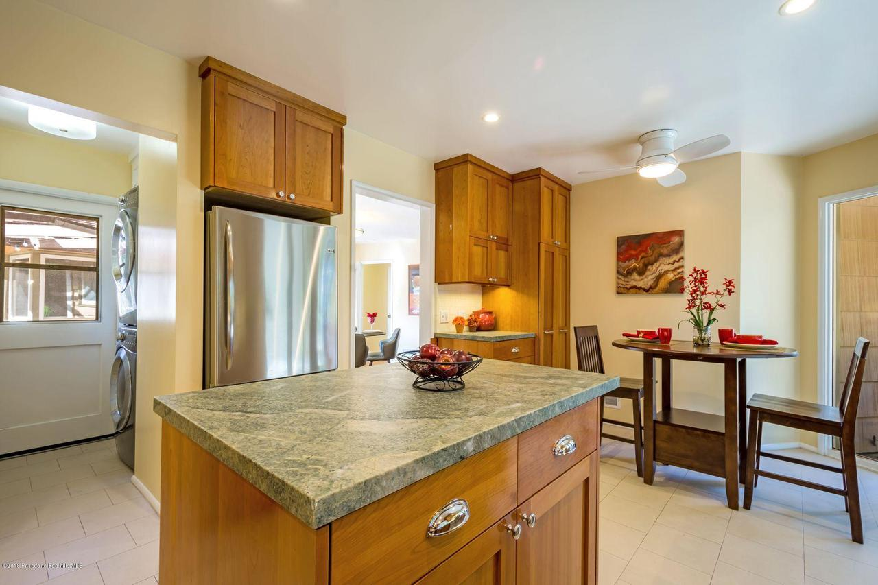 1976 LOMA ALTA, Altadena, CA 91001 - 1976 more kitchen