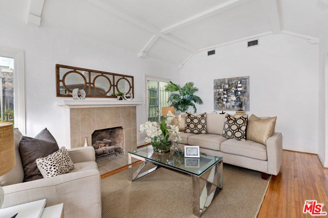 1522 POINT VIEW, Los Angeles (City), CA 90035