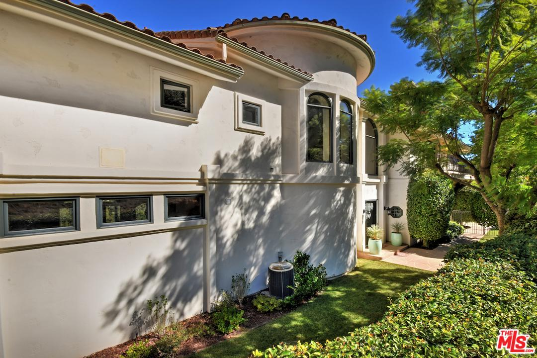 3666 DIXIE CANYON, Sherman Oaks, CA 91423