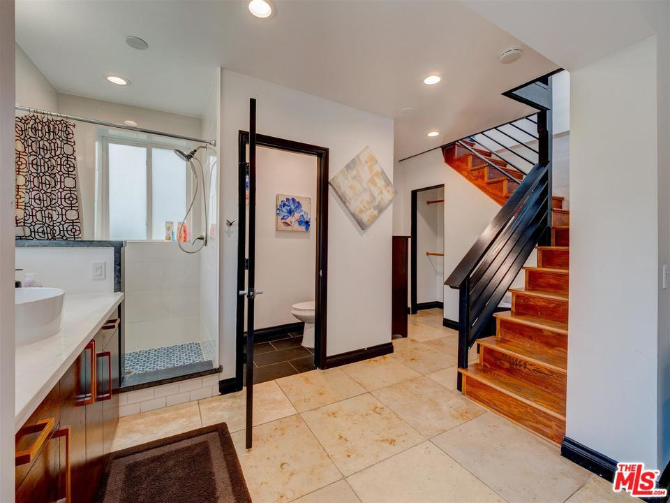 6864 PACIFIC VIEW, Los Angeles (City), CA 90068