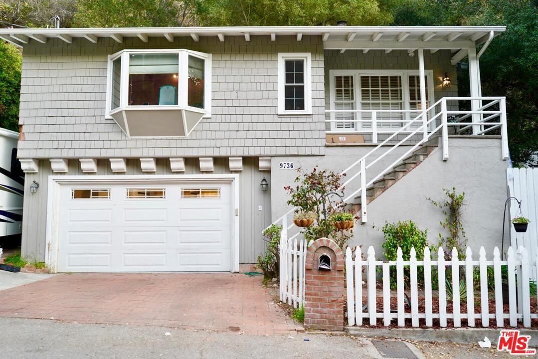 Photo of 9736 YOAKUM DR, Beverly Hills, CA 90210