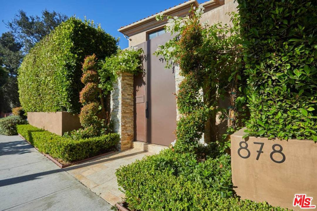 878 GRETNA GREEN, Los Angeles (City), CA 90049