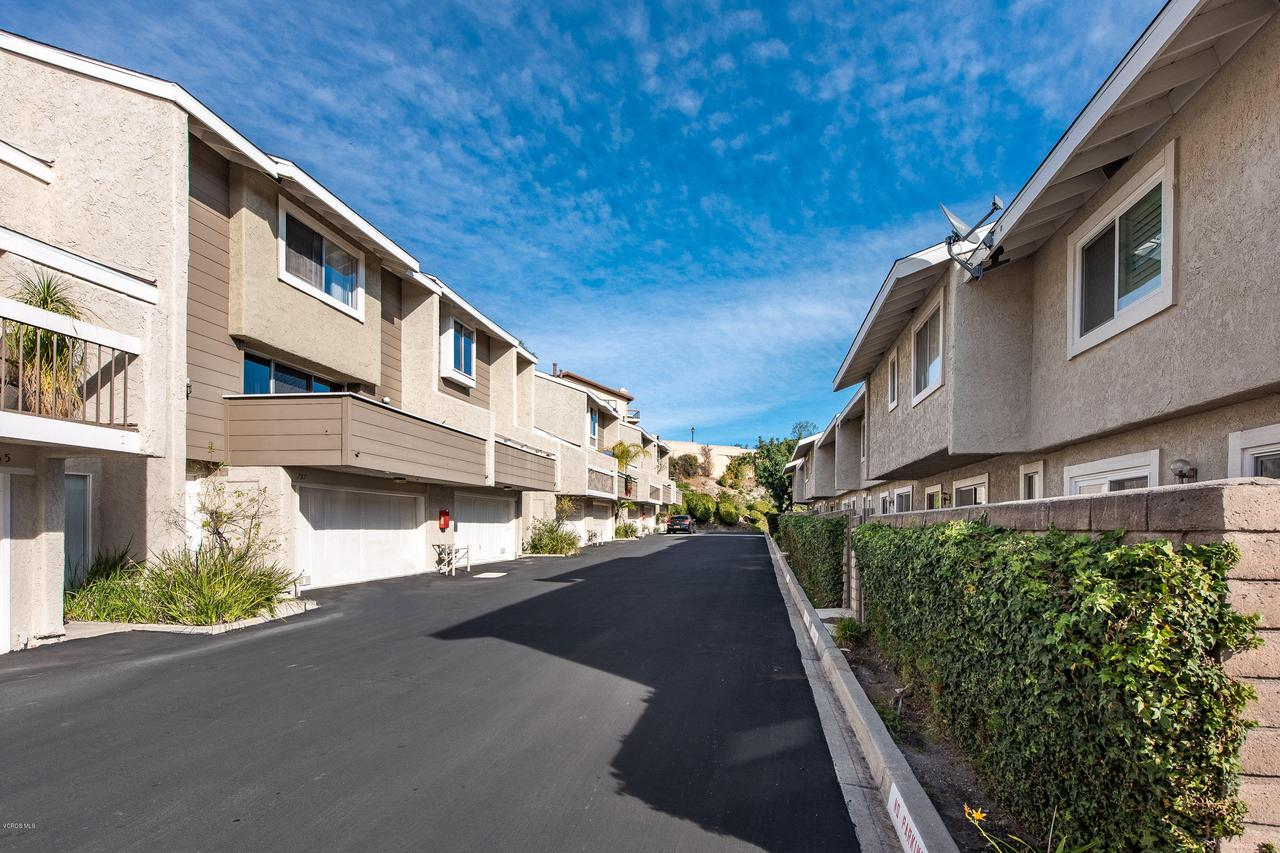 761 WARWICK, Thousand Oaks, CA 91360 - 761 Warwick Ave-35