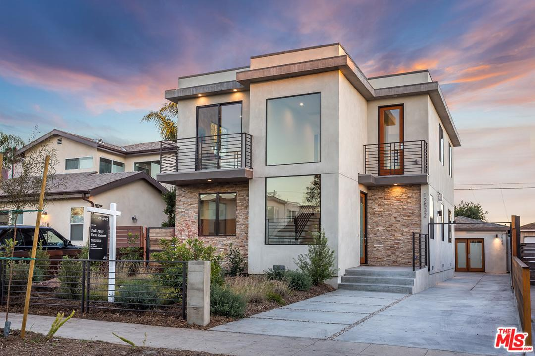 12532 GILMORE, Los Angeles (City), CA 90066