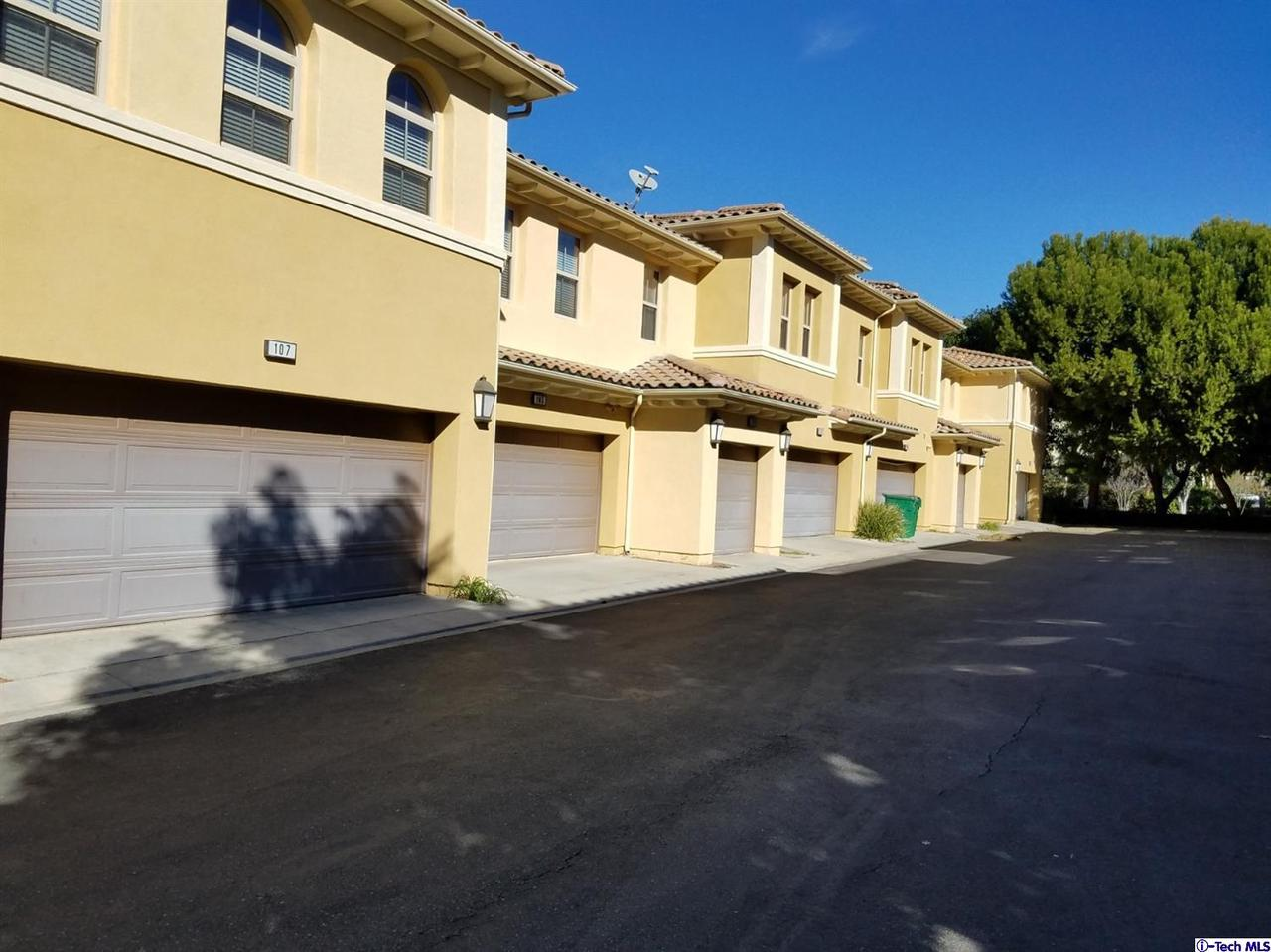 216 GUINEVERE, Irvine, CA 92620