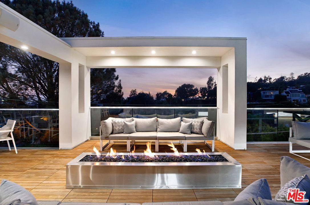 9145 ST IVES, Los Angeles (City), CA 90069