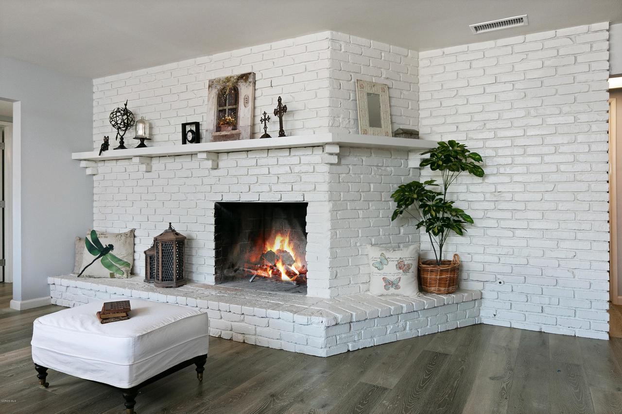 1694 RICE, Ojai, CA 93023 - 1694 S Rice Rd-print-010-43-Fireplace-40