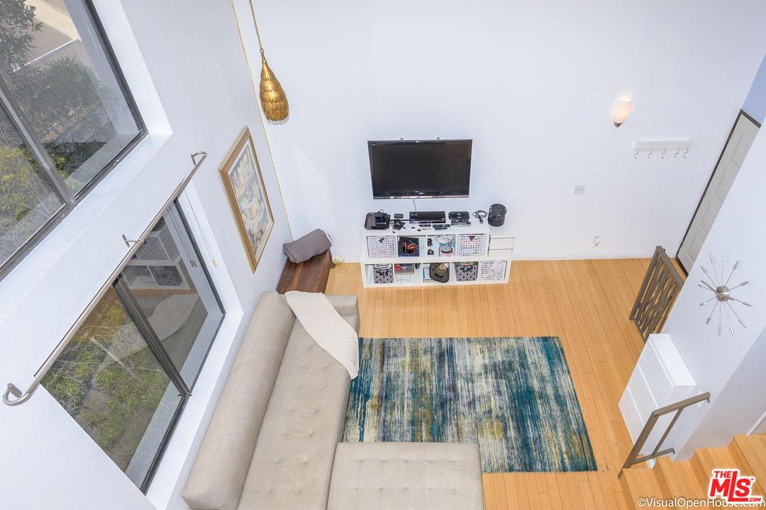 869 WOOSTER, Los Angeles (City), CA 90035