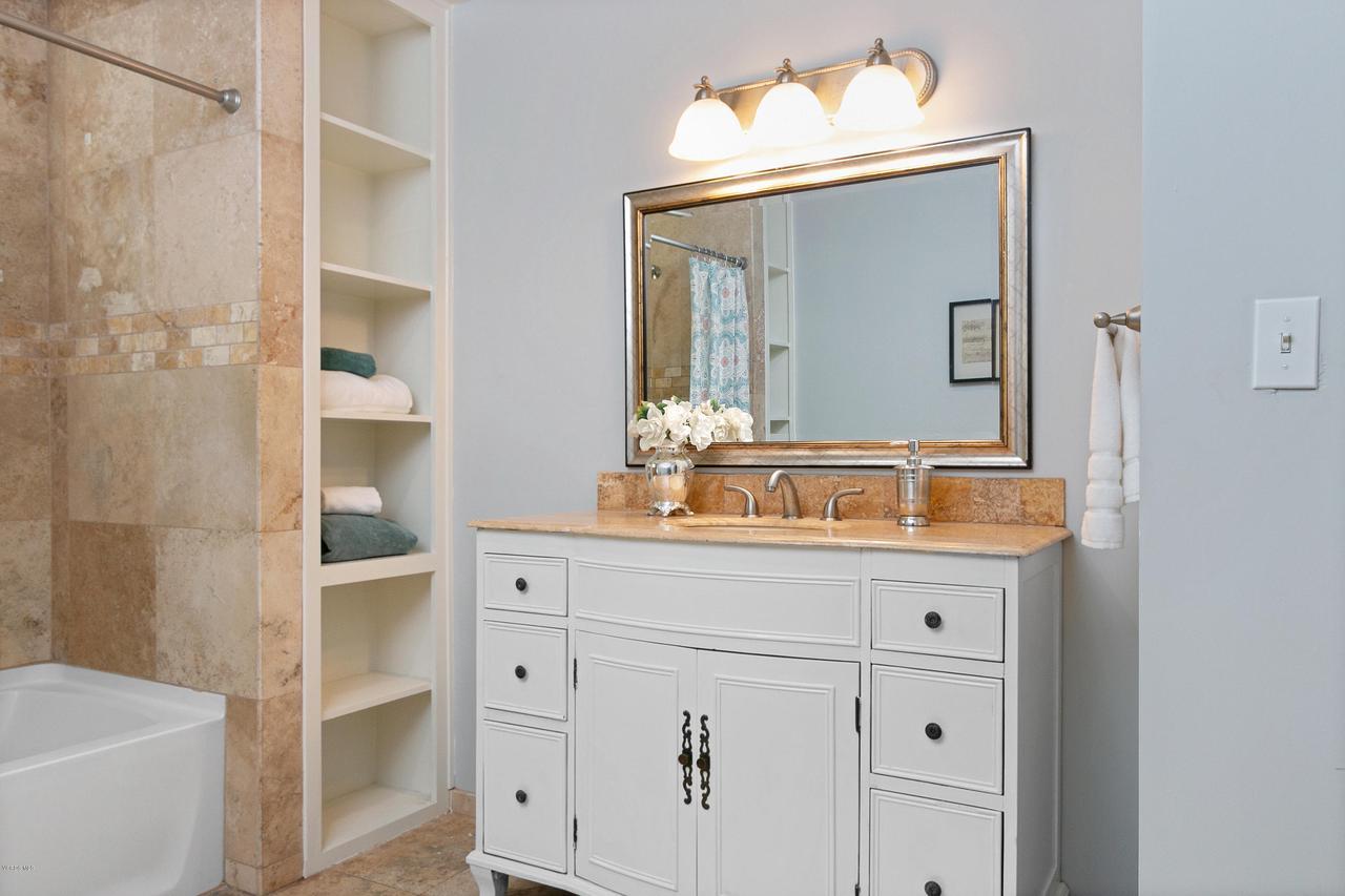 1694 RICE, Ojai, CA 93023 - 1694 S Rice Rd-print-024-26-Bathroom-350