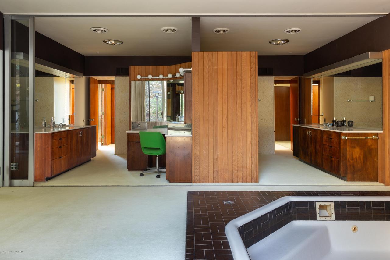 2209 DALADIER, Rancho Palos Verdes, CA 90275 - master bath 1 full