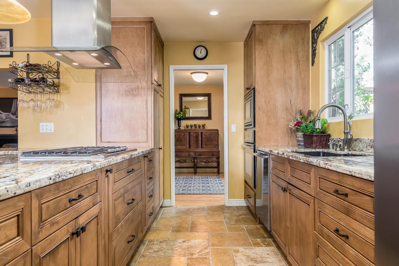 392 SAUL, Ventura, CA 93004 - 016_12-Kitchen