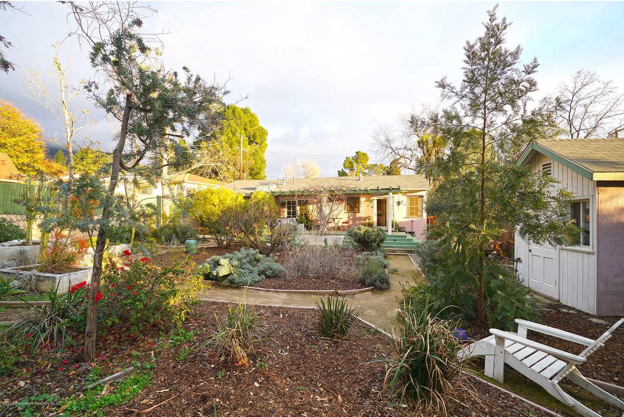 3483 GLENROSE, Altadena, CA 91001 - Backyard w/ Low Water Landscaping