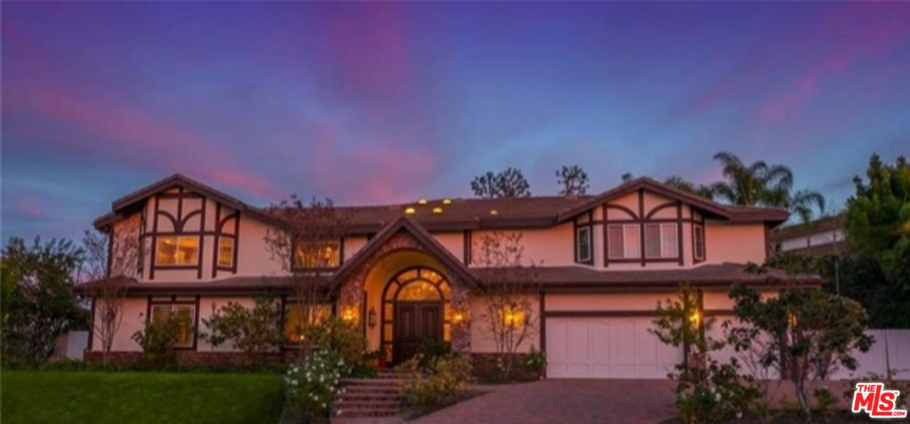Photo of 3834 ALONZO AVE, Encino, CA 91316