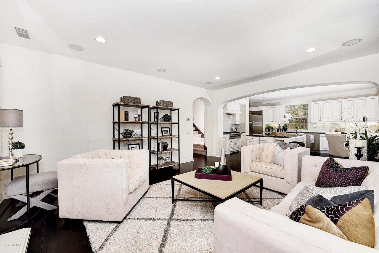 27 LAND BIRD, Irvine, CA 92618 - Family room to kitchen