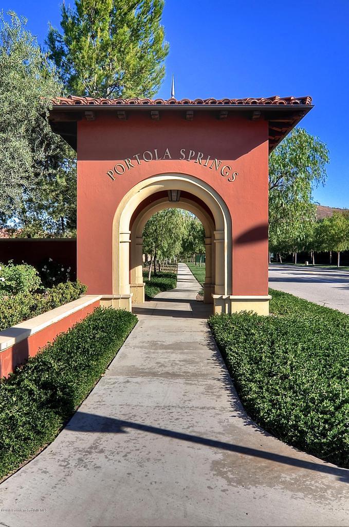 27 LAND BIRD, Irvine, CA 92618 - Portola Springs Entry