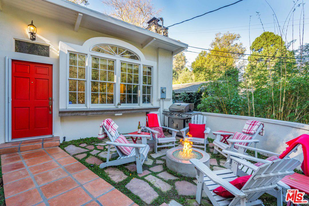 8689 LOOKOUT MOUNTAIN, Los Angeles (City), CA 90046