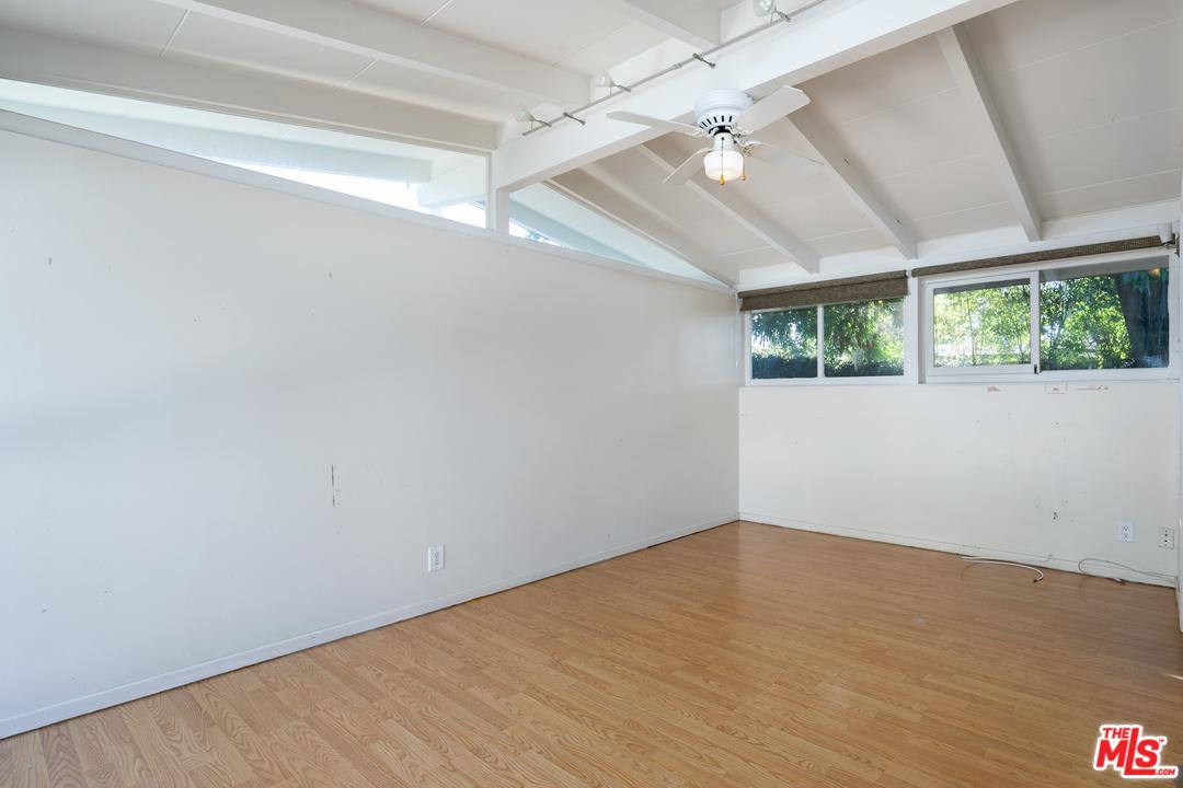 3063 ROXANNE, Long Beach, CA 90808