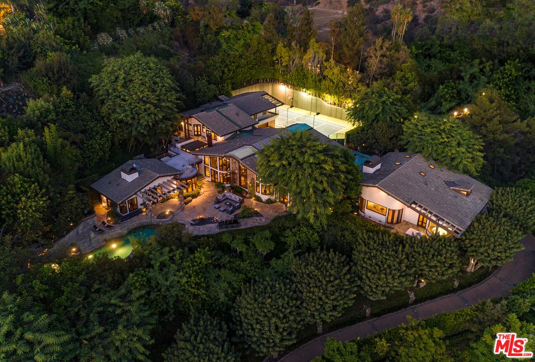 Photo of 1160 SHADOW HILL WAY, Beverly Hills, CA 90210