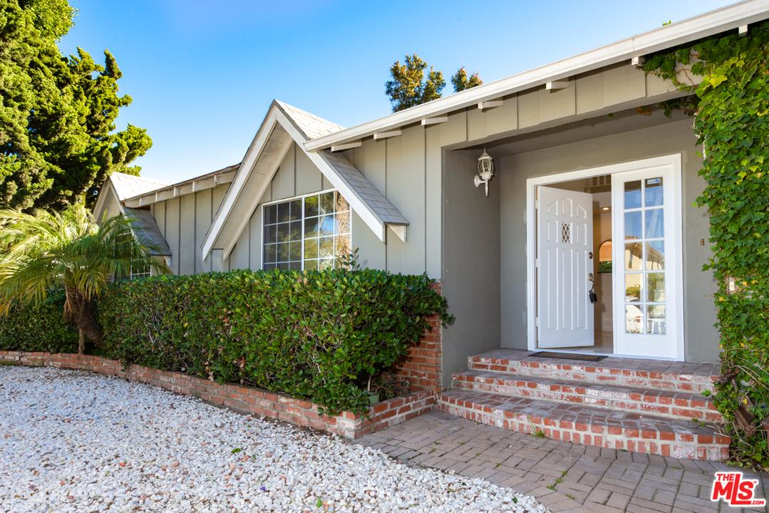 Property for sale at 1374 ROSE AVENUE, Venice,  California 90291