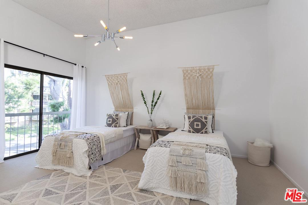 4329 REDWOOD, Marina Del Rey, CA 90292