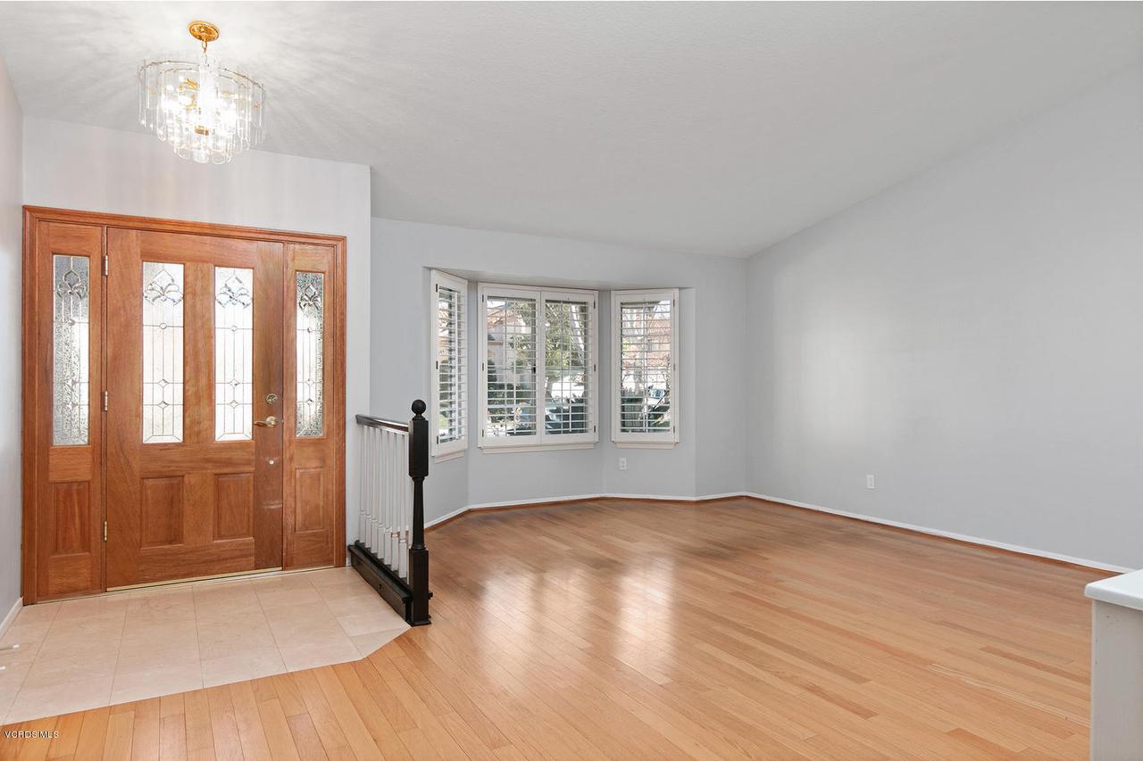 1795 FOX SPRINGS, Newbury Park, CA 91320 - 1795 Fox Springs Cir-003-26-Living Room-